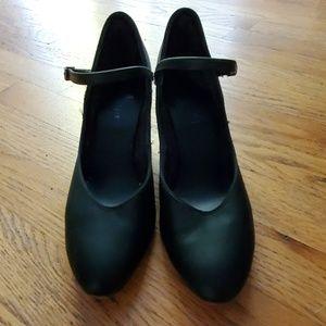 Capezio Dance Shoes Theatre Size 7.5 Medium